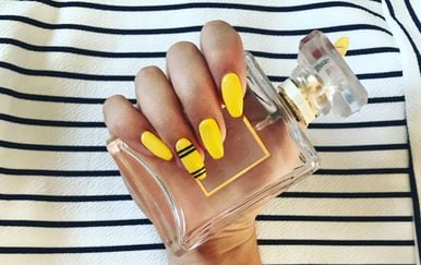 Žuti lak za nokte