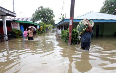 U poplavama u Indoneziji najmanje 17 poginulih i tisuće raseljenih (Foto: AFP)