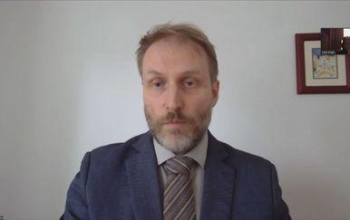 Luka Čičin Šain, virusni imunolog