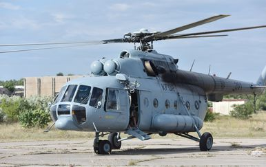 Vojni helikopter (Foto: Hrvoje Jelavic/PIXSELL)