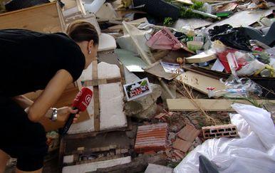 Gradonačelnik pojeo smeće (Foto: Dnevnik.hr) - 1