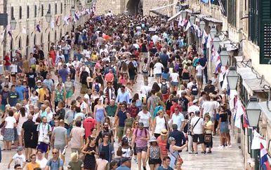Uspješan turizam? (Foto: Dnevnik.hr) - 2