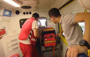 Ivan Forjan s ekipom hitne pomoći (Foto: Dnevnik.hr)