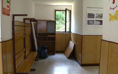 OŠ Cavtat, raspadnuta škola u bogatoj općini (Foto: Dnevnik.hr) - 2