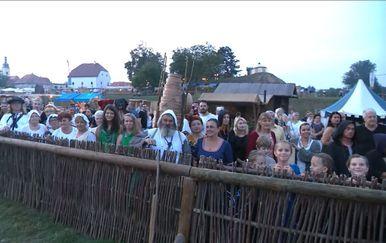 Valentina Baus uživo s renesansnog festivala u Koprivnici (Video: Dnevnik Nove TV) - 2
