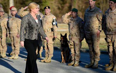 Predsjednica Grabar-Kitarović na ispraćaju vojnika 2017. godine, arhiva (Foto: Marko Prpic/PIXSELL)
