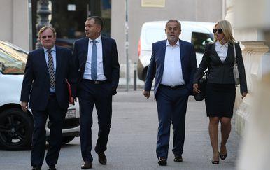 Milan Bandić pojavio se na ročištu za aferu štandovi u društvu odvjetnika (Foto: Dalibor Urukalovic/PIXSELL)