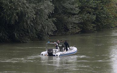 Policija pretražuje rijeku Savu, ilustracija (Foto: Igor Kralj/PIXSELL)