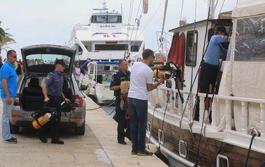 Pretraga broda (Foto: Dnevnik.hr)