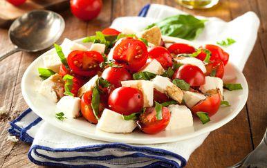 Bosiljak je idealan za ljetne salate