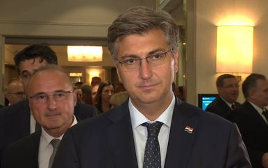Premijer Andrej Plenković o Pavelićevoj fotografiji (Foto: Dnevnik.hr)