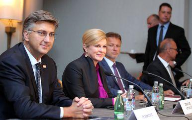 Premijer Andrej Plenković, predsjednica RH Kolinda Grabar-Kitarović (Foto: Goran Stanzl/PIXSELL)