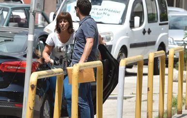 Privođenje osumnjičene za veliki požar kod Šibenika (Foto: Hrvoje Jelavic/PIXSELL)