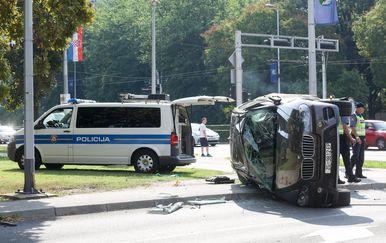 Auto završio na boku u nesreći u Zagrebu (Foto: Borna Filic/PIXSELL) - 11