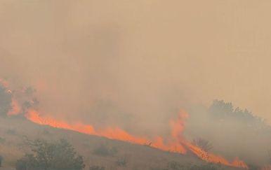 Velik požar u okolici Trogira - 5