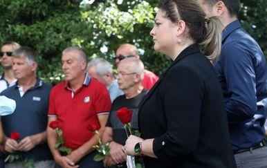 Komemoracija civilnim žrtvama Uzdolja