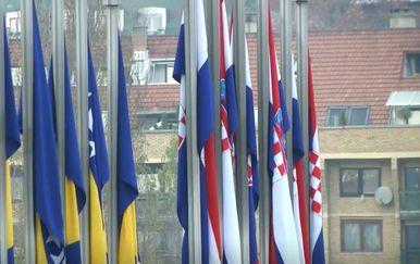 Zastave BiH i Hrvatska