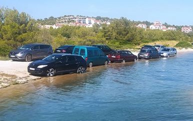 Parkiranje na plaži