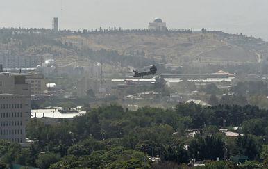Helikopter iznad američkog veleposlanstva u Kabulu