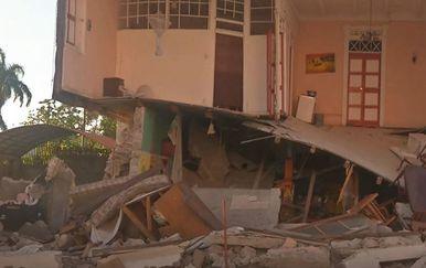 Raste broj poginulih u potresu na Haitiju - 5