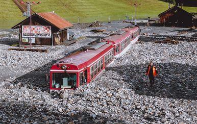 Odron blata zatrpao vlak u Austriji - 2