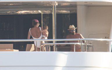 Tamara Ecclestone i Jay Rutland s kćerima na jahti u Zatonu