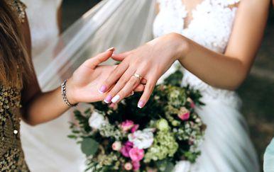 Odabir vjenčane kume važna je odluka
