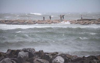 Tropska oluja Henri - 1