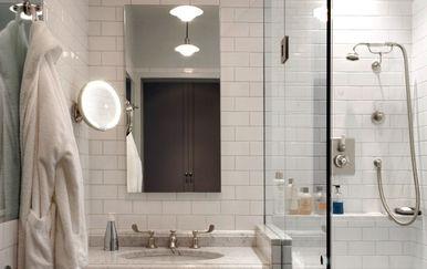 Walk-in tuš u maloj kupaonici