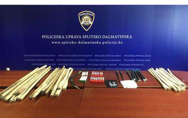 Policija uoči utakmice zaplijenila razne predmete