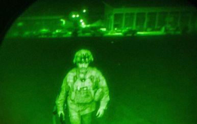General bojnik Chris Donahue napušta Afganistan