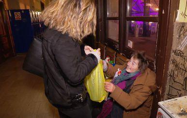 Putujuća kuhinja razveselila zagrebačke beskućnike (Foto: Dnevnik.hr)