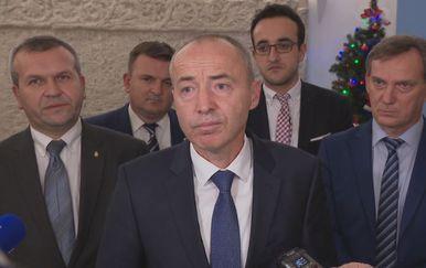 Ministar obrane Damir Krstičević o nabavi novih borbenih aviona (Foto: Dnevnik.hr)
