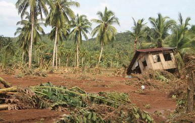 Tropska oluja na Filipinima (Foto: AFP)