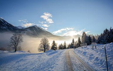 Ceste koje vode ravno u zimsku čarolija