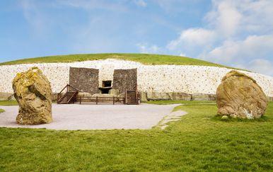 Newgrange u Irskoj jedan je od najstarijih neolitskih spomenika u Irskoj (Foto: Guliver/Thinkstock)