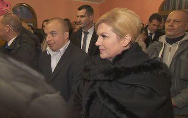 Kolinda Grabar Kitarović na misi u Karlovcu (Foto: Dnevnik.hr) - 3