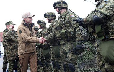 Ministar Krstičević u obilasku hrvatskih vojnika u Poljskoj (Foto: MORH) - 12