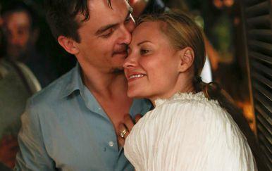 Rupert Friend i Aimee Mullins