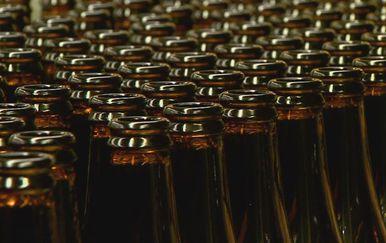 Staklene boce (Foto: Dnevnik.hr)