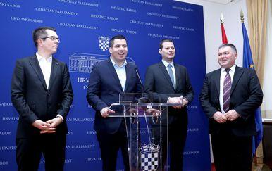Konferencija za medije o prekidu saborske sjednice (Foto: Patrik Macek/PIXSELL)