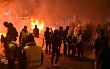 Prosvjed žutih prsluka u Parizu (Foto: AFP) - 10
