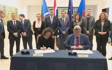 Potpisan ugovor koji će Rijeci pomoći u pripremama za 2020., kada će postati europska prijestolnica kulture (Foto: Dnevnik.hr)