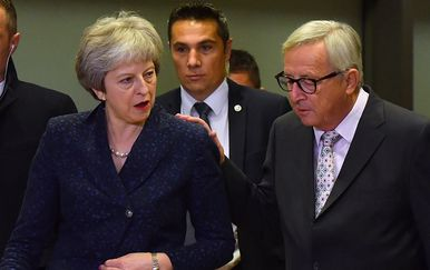 Theresa May i Jean-Claude Juncker (Foto: Arhiva/AFP)
