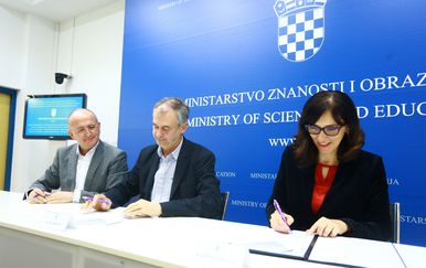 Potpisan kolektivni ugovor (Foto: Borna Filic/PIXSELL)
