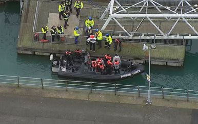Migranti izvučeni iz La Manchea (Foto: Dnevnik.hr)