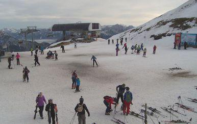 SKijaši na skijalištu