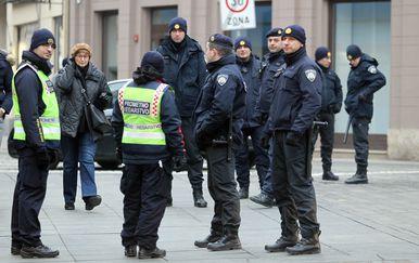 Jako policijsko osiguranje zbog Vučićeva dolaska (Foto: PIxell) - 4