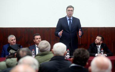 Aleksandar Vučić s građanima u Vrginmostu (Foto: Pixell)