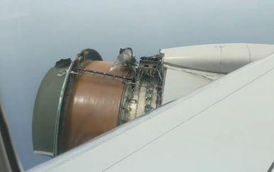 Zrakoplov se počeo raspadati četrdesetak minuta uoči slijetanja (FOTO: Twitter/Erik Haddad)